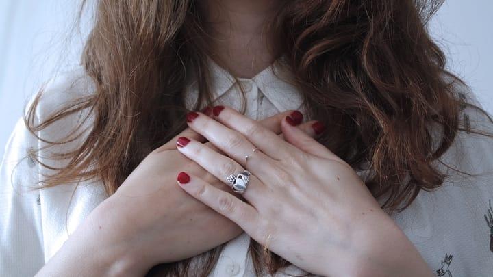 womans-hands